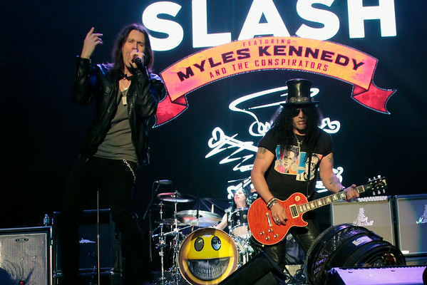 DBKphoto / Slash & Myles Kennedy 08/31/2014