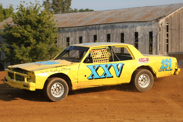 Windy Hollow Speedway; Cheetah Clean 'Clean up the Cash' Night