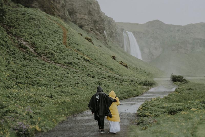 Tu-Nguyen-Destination-Wedding-Photographer-Iceland-Elopement-Fjaðrárgljúfur-16-162.jpg