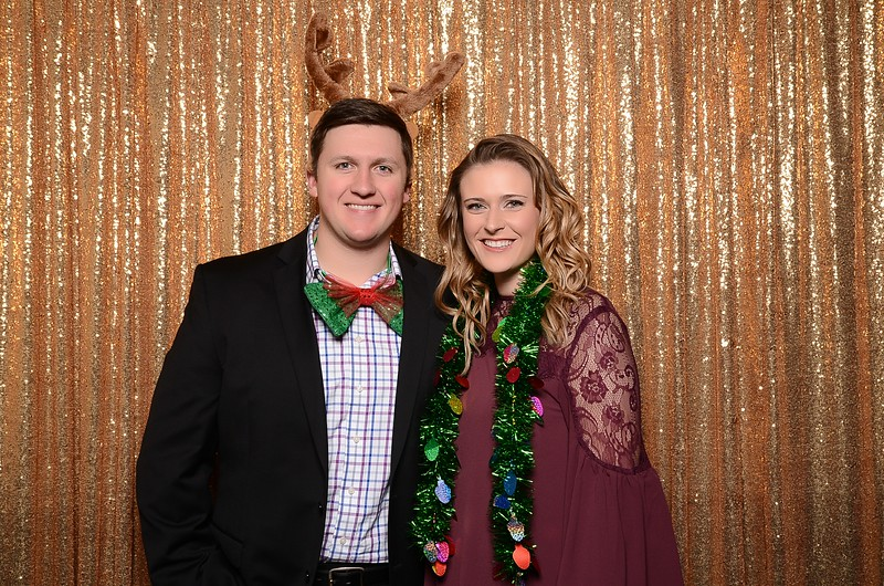 20161216_MOPOSO_Tacoma_Photobooth_MossAdamsHoliday16-58.jpg