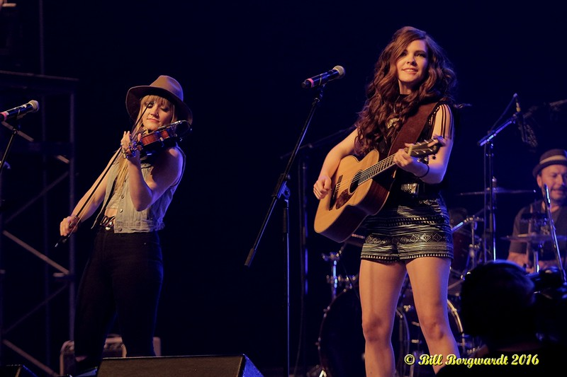 Ali Raney & Zoe Neuman - The Lovelocks - CFCW LAP 2016 049.jpg
