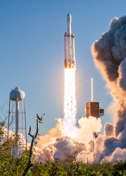 WS-Falcon Heavy Arabsat-9822.jpg