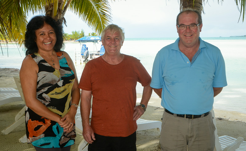 Maria and Allen (our amazing hosts!) and Gerry...