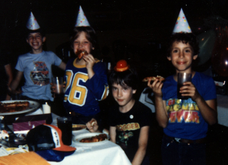 1983_chuck_e_cheese_b-day.jpg