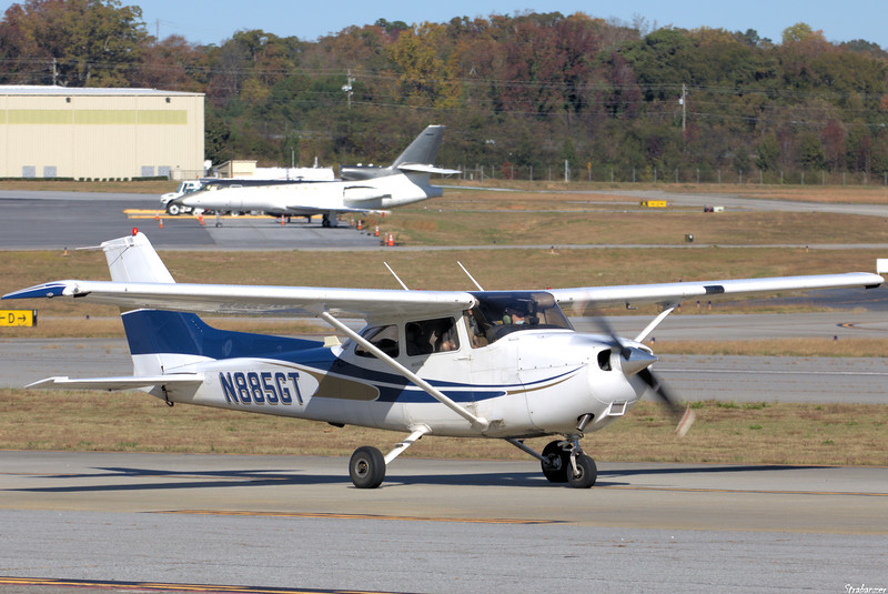 Cessna 172S   C/n 172S9601   N885GT YELLOW JACKET FLYING CLUB INC  ATLANTA , GA, US Dekalb Peachtree (KPDK), Ga, 11/16/2020, Departing local flying  This work is licensed under a Creative Commons Attribution- NonCommercial 4.0 International License.