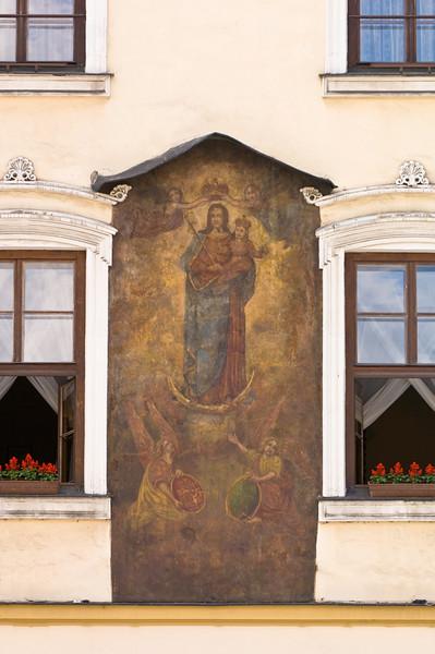 Poland, Cracow, facade of a town house on Rynek Glowny