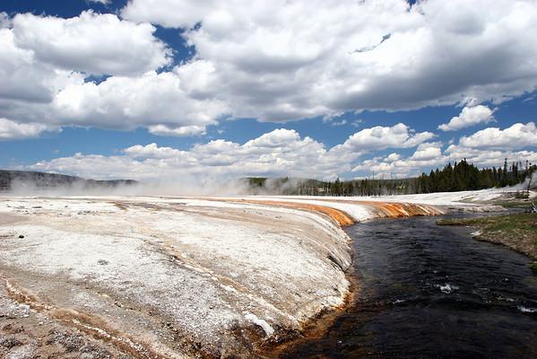 Yellowstone-Black Sand Basin