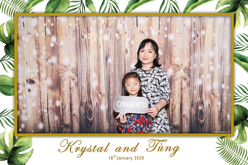 Krystal-Tung-wedding-instant-print-photo-booth-in-Ho-Chi-Minh-City-Chup-hinh-lay-lien-Tiec-cuoi-WefieBox-Photobooth-Vietnam-005.jpg