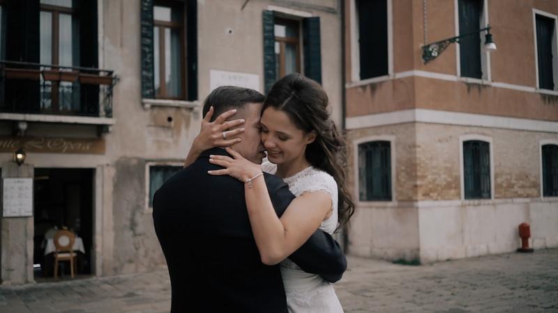 Tu-Nguyen-Destination-Wedding-Photographer-Elopement-Venice-Italy-Europe-w62a38.jpg