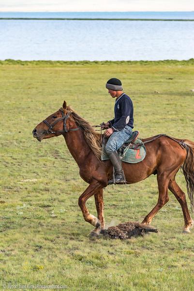 Song Kol Horse Trek-6106930.jpg