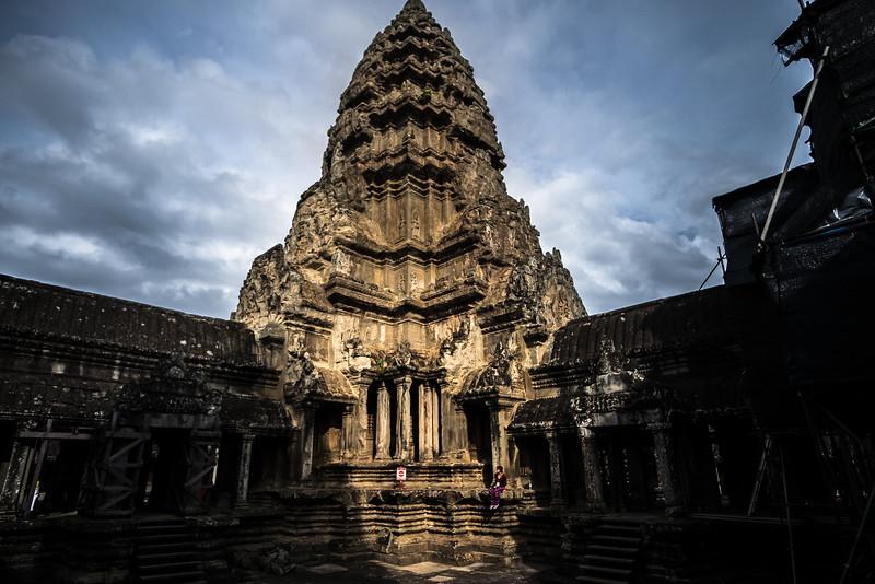Angkor Wat & Molly.jpg