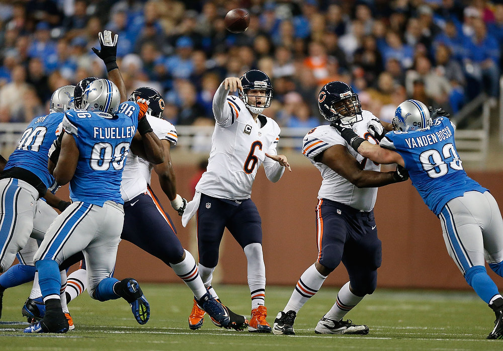 . Jay Cutler #6 of the Chicago Bears throws a second quarter pass while playing the Detroit Lions at Ford Field on December 30, 2012 in Detroit, Michigan. (Photo by Gregory Shamus/Getty Images)