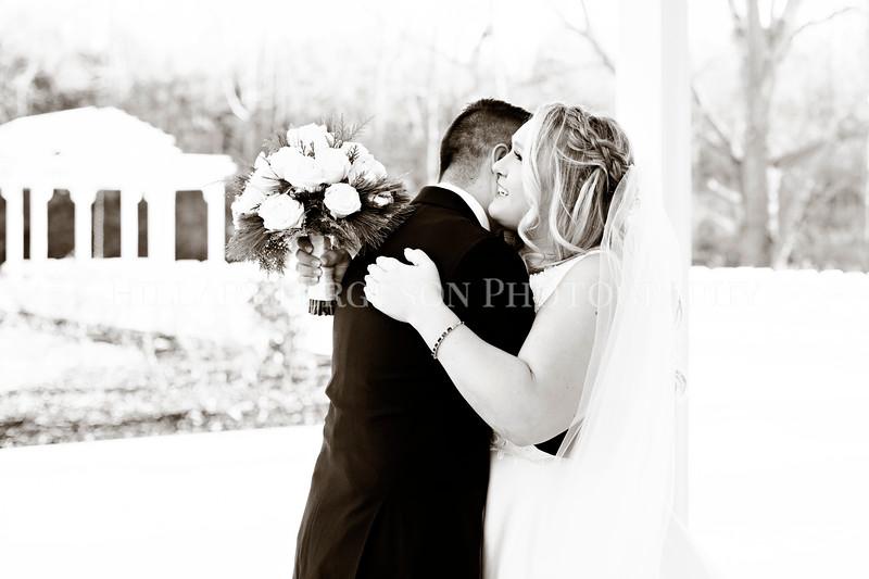 Hillary_Ferguson_Photography_Melinda+Derek_Getting_Ready394.jpg