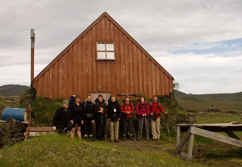 Við Álftavatnaskála. Ingvi, Erna, Álfhildur, Magnea, Ragnheiður, Þorbjörg, Amandine og Pierre