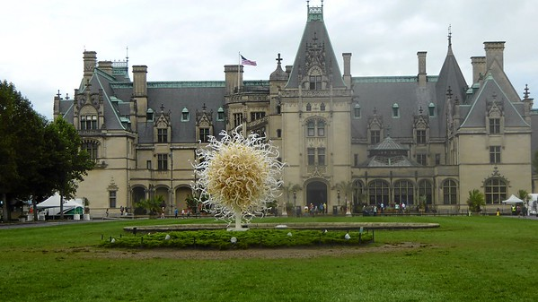 Mervyn & Pat at Biltmore with Chihuly