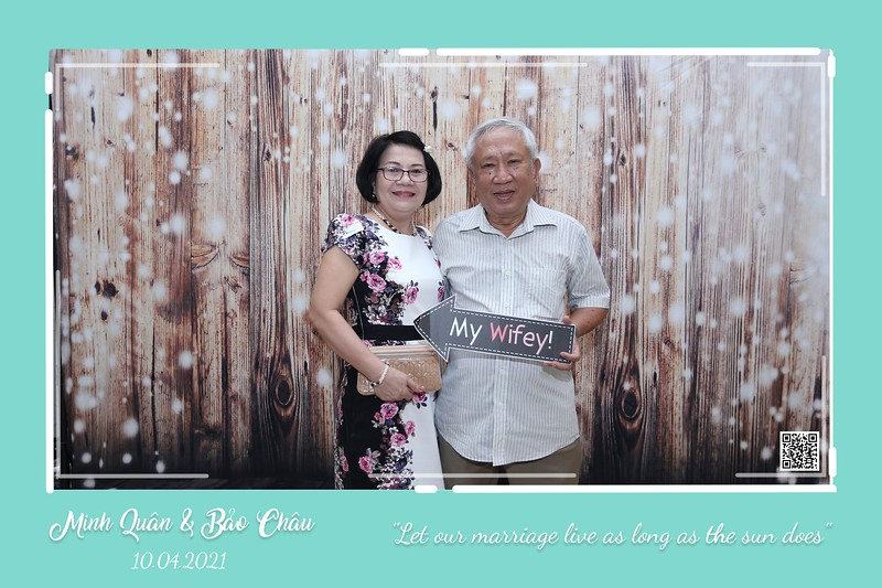 QC-wedding-instant-print-photobooth-Chup-hinh-lay-lien-in-anh-lay-ngay-Tiec-cuoi-WefieBox-Photobooth-Vietnam-cho-thue-photo-booth-033.jpg