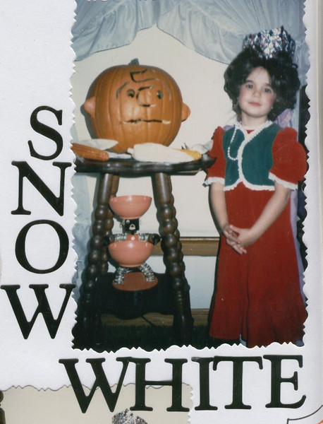 Andi_Snow_White_Halloween_85.jpg