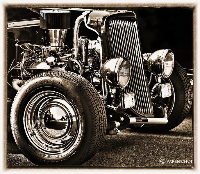 Antique car small.jpg