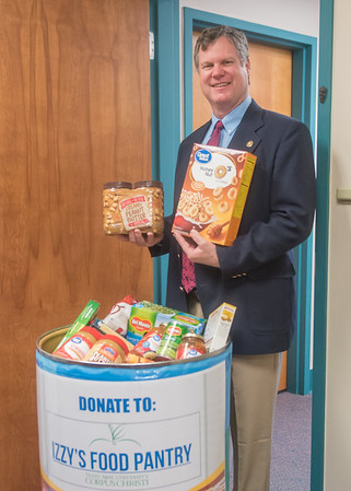 013018 College of Liberal Arts Izzy's Food Pantry Drive