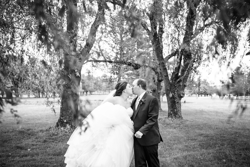 amie_and_adam_edgewood_golf_club_pa_wedding_image-700.jpg