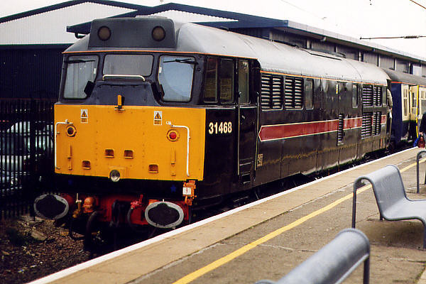 31468 at Bedford Midland on the 18th October 1998