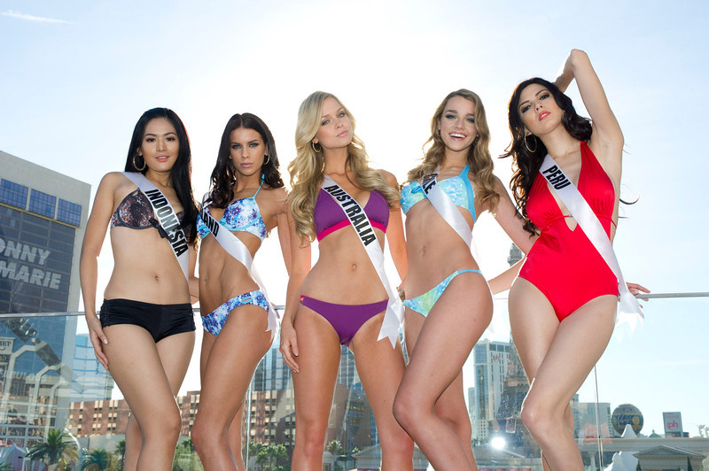 . (from L to R) Miss Indonesia Maria Selena, Miss Ireland Adrienne Murphy, Miss Australia Renae Ayris, Miss Chile Ana Luisa Konig and Miss Peru Nicole Faveron, pose in Las Vegas, Nevada December 7, 2012. The Miss Universe 2012 competition will be held on December 19. REUTERS/ Darren Decker/Miss Universe Organization L.P/Handout
