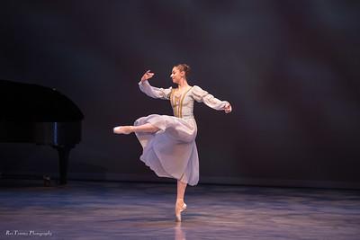 Senior performance - Lauren Zimmerman