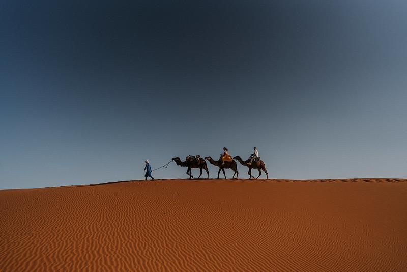 Tu-Nguyen-Destination-Wedding-Photographer-Morocco-Videographer-Sahara-Elopement-309.jpg
