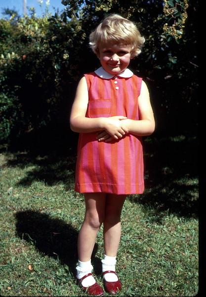 1969-12-25 (6) Susan 4 yrs 5 mths Christmas dinner with Elaine in Sale..jpg