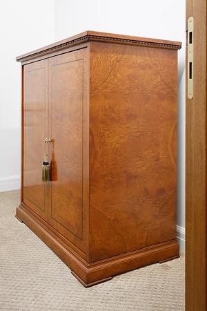 1659 Chapel Ridge Lane Art & Furniture