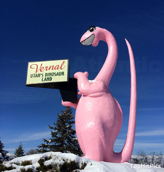 'Dinah The Dino' Sign and Dinosaur Statue in Vernal, Utah