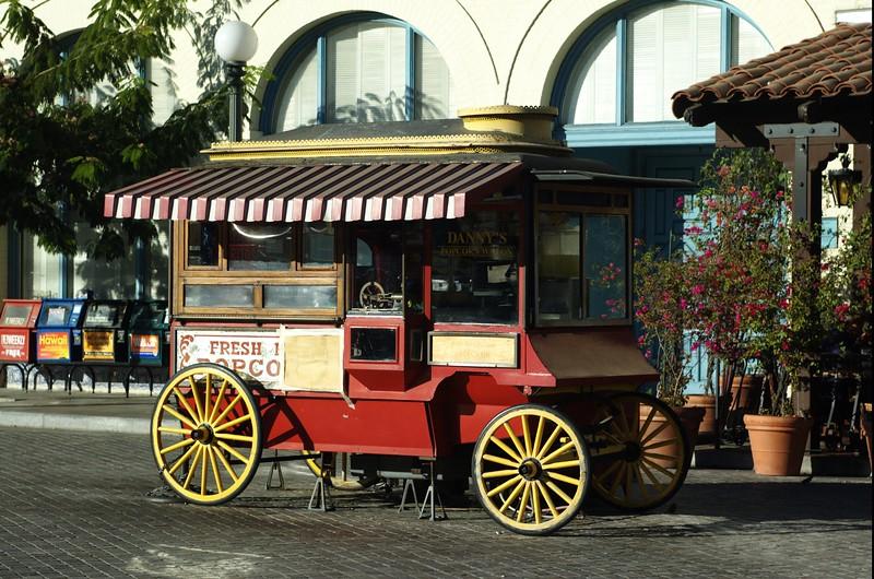 LaPlaza038-PopcornWagon-2006-09-27.jpg