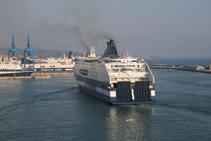 2009 - CRUISE BARCELONA arriving in Civitavecchia.