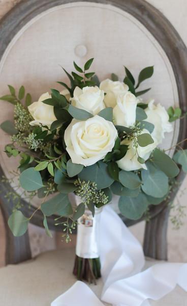 Elegant-Southern-Coastal-Wedding-Neutral-And-White-Details-Photography-By-Laina-Dade-City-Tampa-Area-Wedding-Photographer-Laina-Stafford-1.jpg