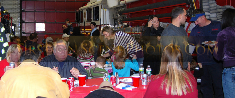 FDNY - Christmas Around the Job!! - 12/2010