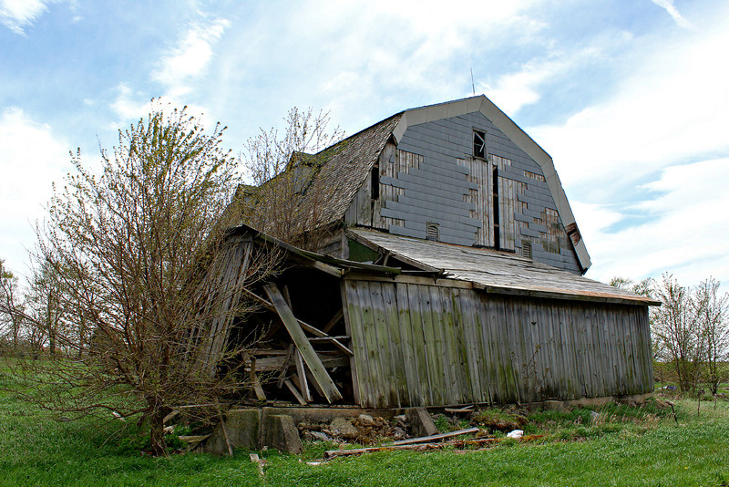 """""""Barn on a back road to Ottawa, Illinois"""" - Daily Photo - 07/09/13  My daughter was very bored, but hope you enjoy!"""