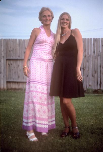 1974_06 Bonnie Black & Heather Wood.jpg