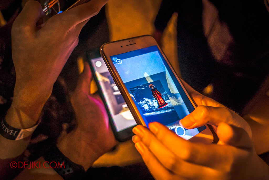 Halloween Horror Nights 7 Survival Guide - Unlocking levels using another phone