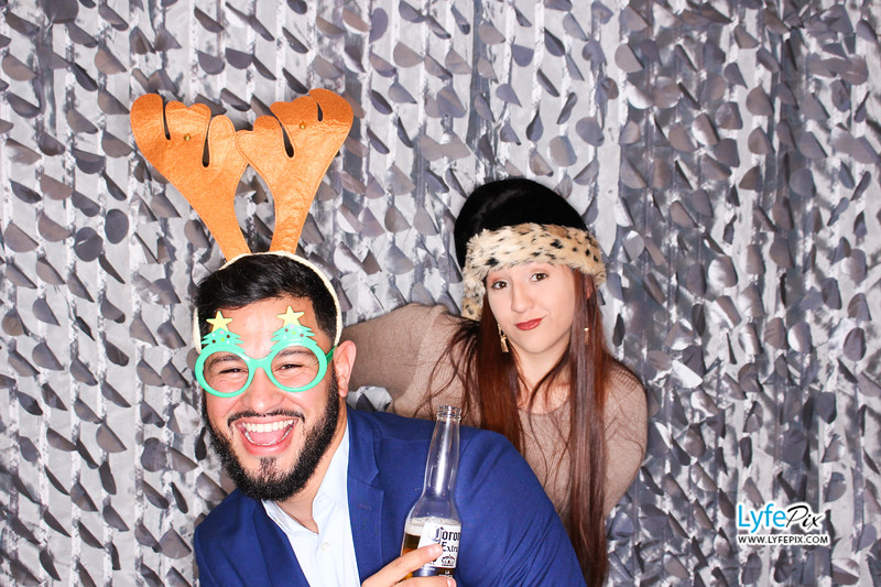 red-hawk-2017-holiday-party-beltsville-maryland-sheraton-photo-booth-0183.jpg