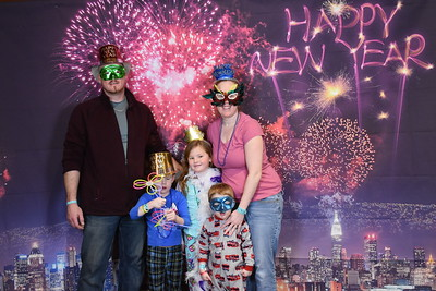 Great Wolf Lodge New Years Eve December 31, 2018 group 5