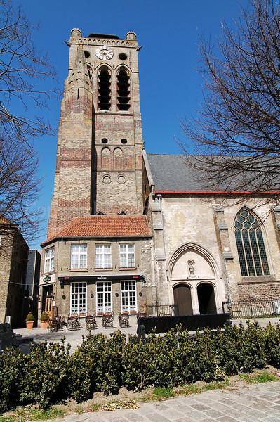 View on the Church of Saint Nicolas (Sint Niklaaskerk) in Veurne, Belgium.