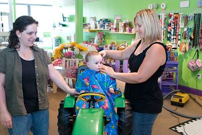 Jacobs_first_haircut