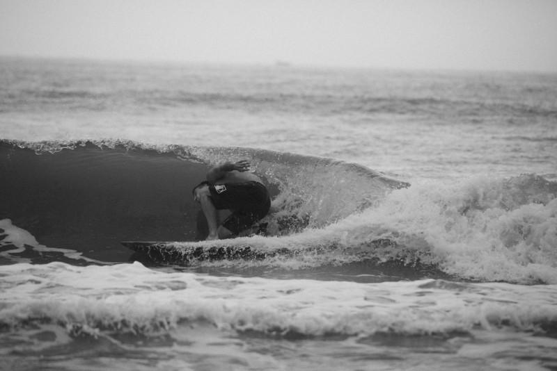 Surf_BW_017.jpg