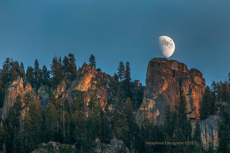 _DSC0020Cathedral Cresent Moon .jpg
