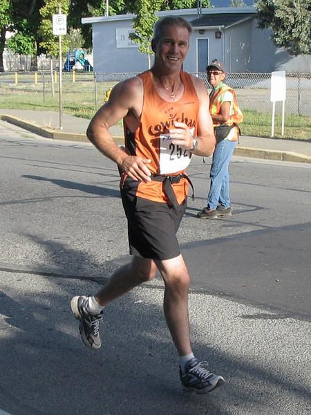 2005 Run Cowichan 10K - img0140.jpg