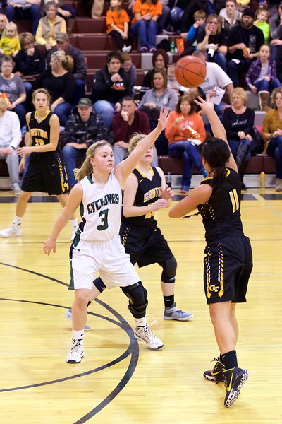 '17 Cyclones Girls Basketball 184.jpg