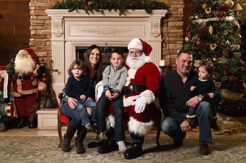 Santa2018.TylerBoye.-254.jpg