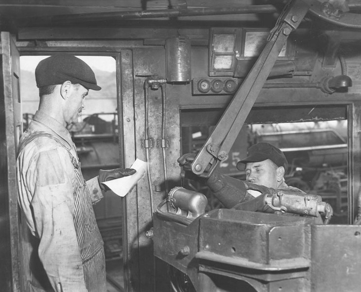 1946, Receiving the Strike Order