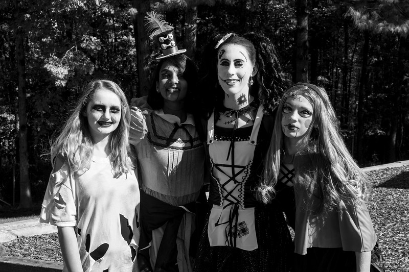 Halloween Fun_8th Grade Gowls.JPG