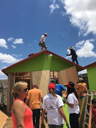 2016-05-20 House Building in Tijuana